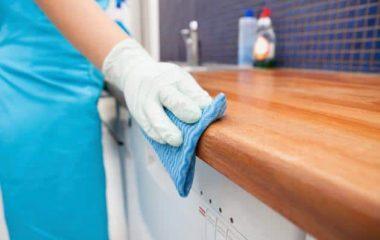 Tủ bếp gỗđược dùng rộng rãi trong những gia đình Việt. Đó không chỉ là nơi cất chứa dụng cụ nhà bếp gọn gàng mà còn là món đồ nội thất nâng cao thẩm mỹ cho không gian. Chính vì vậy, công việcvệ sinh tủ bếp gỗvừa giúp tủ giữ được sạch sẽ, an toàn […]