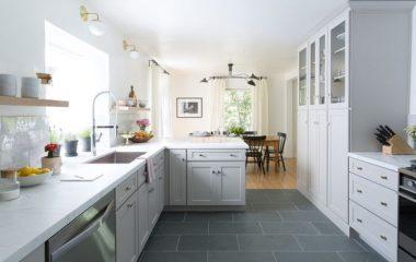 Ví như vẫn chưa ưng ý có phòng bếp nhà mình, hãy tham khảo một số ý tưởng cải tạo dưới đây để có được một phòng bếp ưng ý. Đây là căn bếp trong một ngôi nhà cổ nằm trong 1 khu xã yên tĩnh Los Angeles. Căn nhà bếp mang thiết kế cổ […]