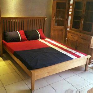 Giường ngủ gỗ tự nhiên đẹp dành cho gia đình GHT-911