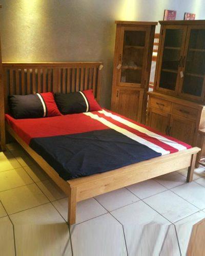 Giường ngủ gỗ tự nhiên đẹp cho gia đình GHT-911