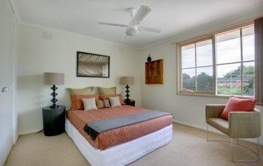 Ví như điều kiện khôngcho phép đặt giường ngủ theo đúng hướng thấp, bạn hoàn toàn sở hữu thể ứng dụng 1 số mẹo phong thủy nhằm hóa giải vận xấu dưới đây. Việc đặt giường ngủ theo hướng rẻ sẽ mang đến phổ biến nguồn năng lượng hăng hái cho gia chủ, giúp thu […]