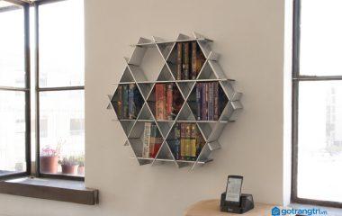 Kệ sách treo tường hiện nay có kiểu dáng thiết kế khá độc đáo và lạ mắt, nên nó còn được dùng để trang trí nội thất cho nhà ở và văn phòng ngay cả khi chưa dùng tới. Kệ sách treo tường gỗ công nghiệp cũng ngày càng được nhiều gia đình lựa chọn, […]