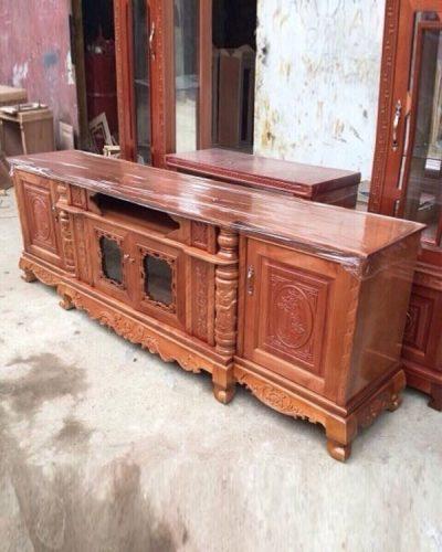 Kệ tivi đẹp phong cách cổ điển gỗ tự nhiên GHT-302