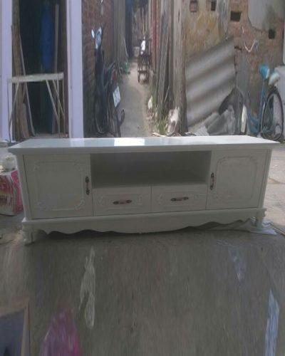 Kệ tivi gỗ dành cho phòng khách phong cách cổ điển GHT-306