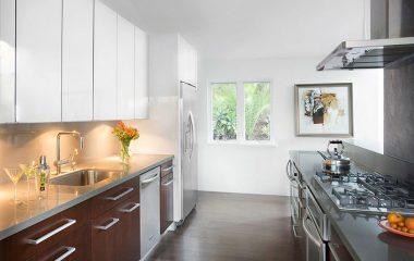 Màu sắc là một tiêu chí rất quan trọng khi lựa chọn nội thất bên cạnh kiểu dáng và kích thước. Lựa chọn đúng sản phẩm nội thất và sắp xếp, bài trí chúng một cách hài hoà trong cùng không gian với đồ đạc khác chính là kết quả của một ý tưởng thiết […]