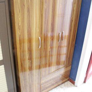 Tủ quần áo 3 khoang cánh mở màu Ngọc lan GHT-506
