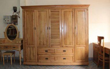 Trên thị trường hiện nay, tủ quần áogỗ tự nhiên rất đa dạng về mẫu mã, kích thước, kiểu dáng đẹp và hấp dẫn. Tuy nhiên, muốn chọn mua tủ quần áo gỗ tự nhiên như thế nào vừa bền đẹp, lại vừa phù hợp với không gian nhà ở lại không phải là điều […]