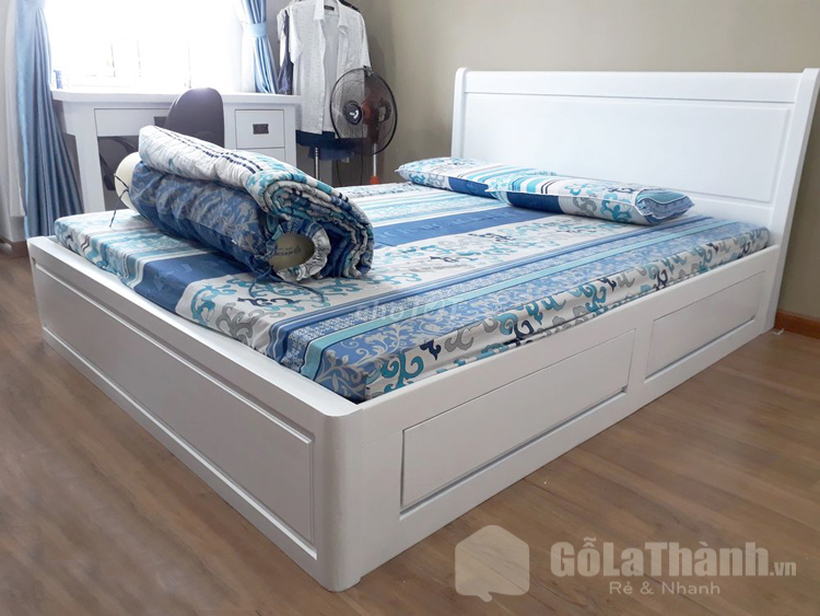 thiết kế gầm thấp ngăn chứa đồ rộng màu trắng