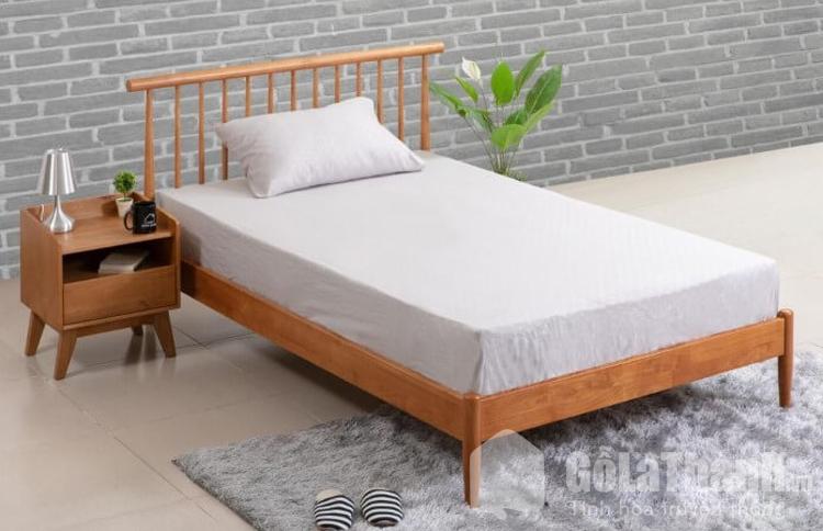 giường ngủ 4 chân thấp bằng gỗ tự nhiên
