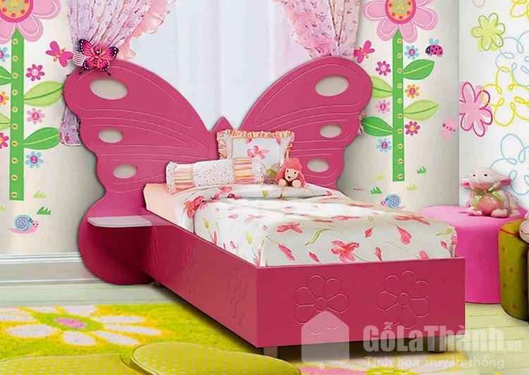 giường ngủ màu hồng cánh bướm
