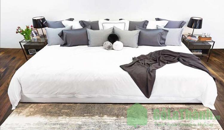 giường ngủ kích thước lớn cho 4 người