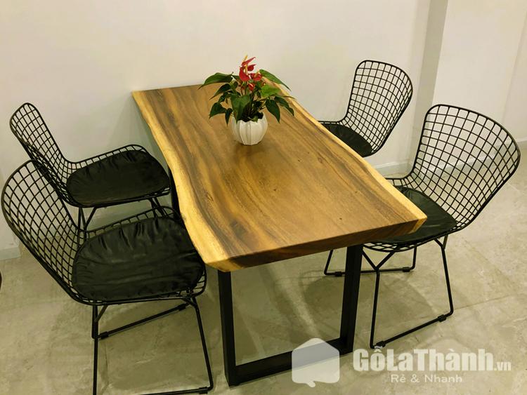 bàn ăn giá rẻ tphcm gỗ tự nhiên nguyên tấm ghế sắt