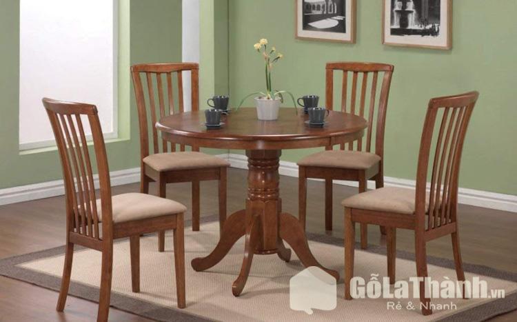bàn tròn 4 ghế gỗ tự nhiên