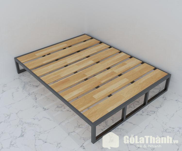 thiết kế khung sắt với các tấm gỗ