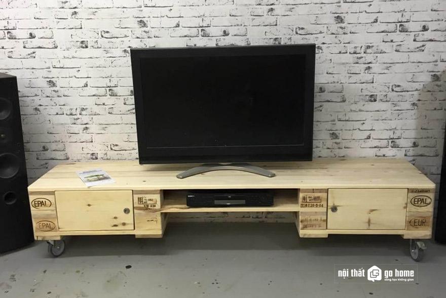 Kệ tivi bằng gỗ pallet là gì?