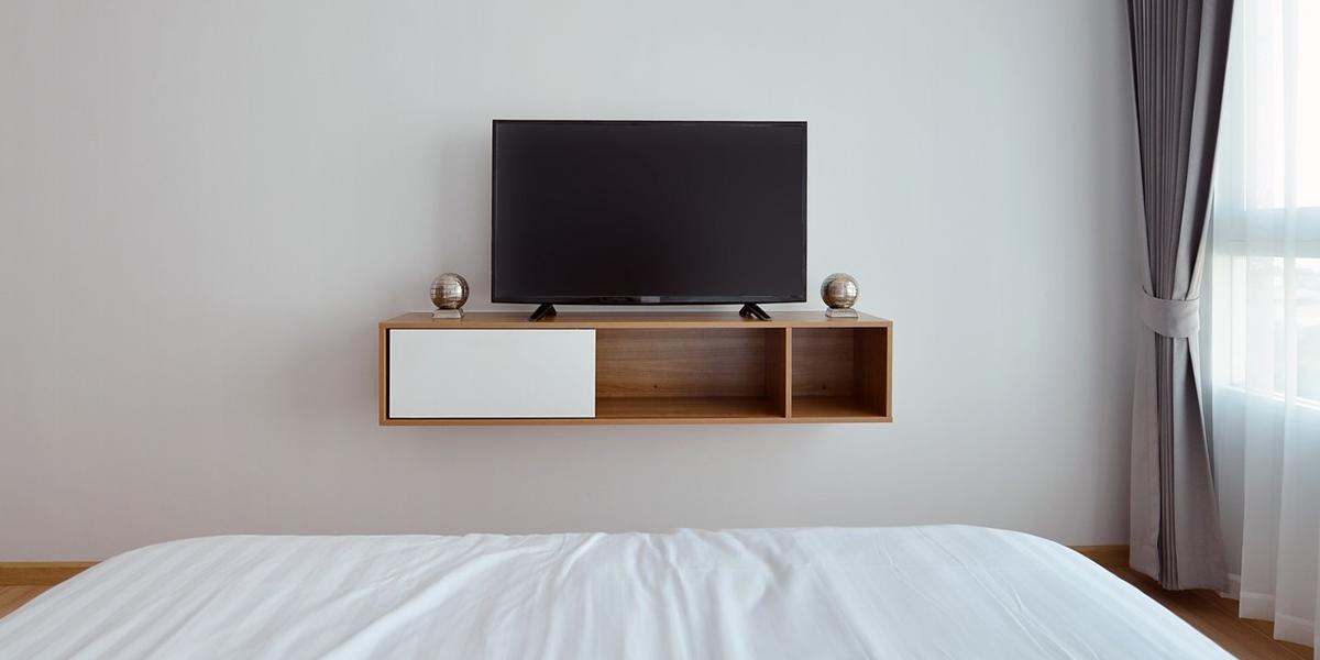 3 kiểu kệ tivi nhỏ giá rẻ cho phòng khách thêm xinh
