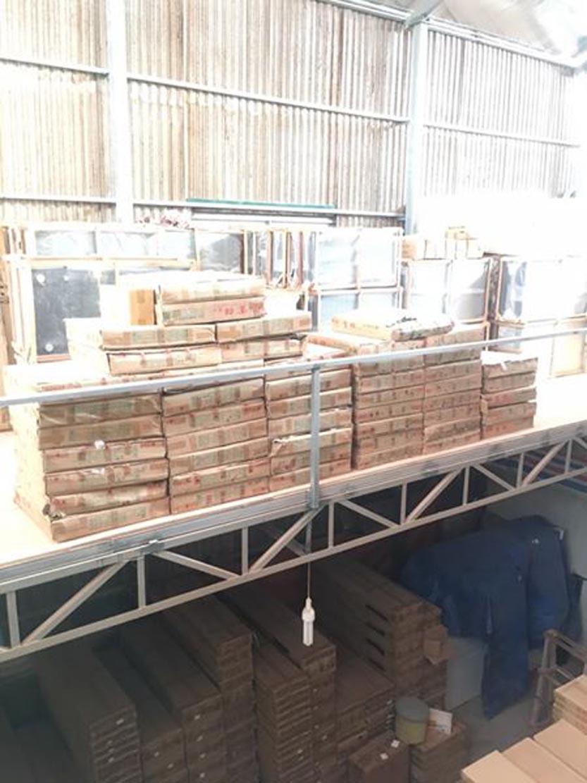 kho-ban-sofa-nhap-khau-4